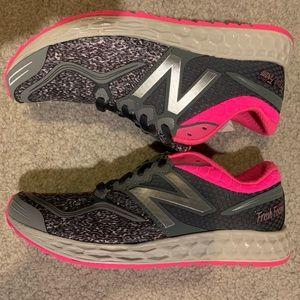 Women's New Balance 1980GG sneakers, size 7.5